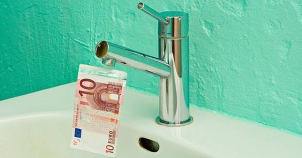 "Environment Minister says ""everybody will pay"" water charges."