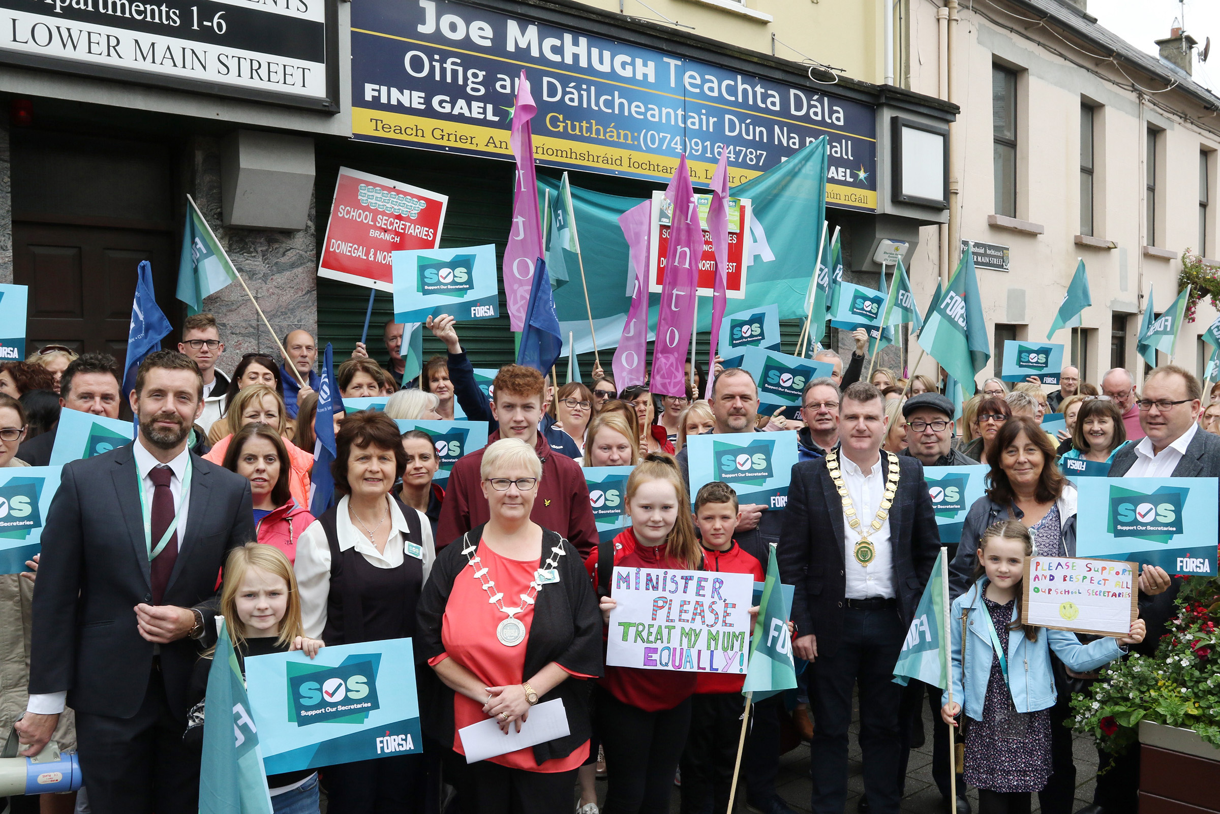 DEPUTY MICHAEL LOWRY CALLS ON EDUCATION MINISTER JOE MCHUGH TO ENGAGE WITH SCHOOL SECRETARIES